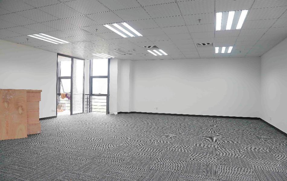 九洲电器大厦写字楼出租328平米精装办公室115元/m².月
