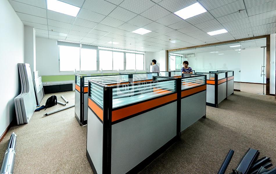 创世纪商务中心写字楼出租209平米精装办公室65元/m².月