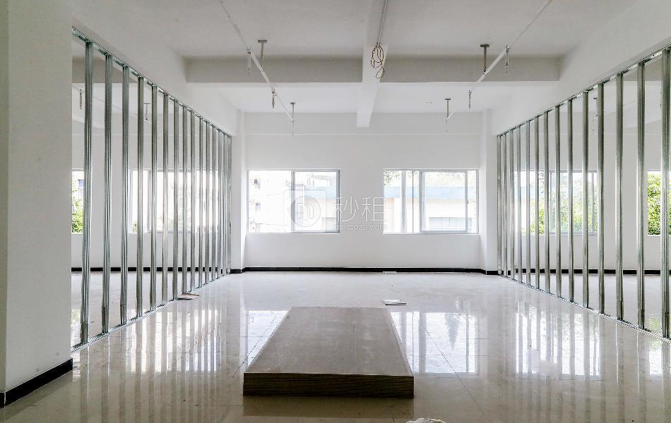 GOGO KTV三楼写字楼出租371平米精装办公室65元/m².月