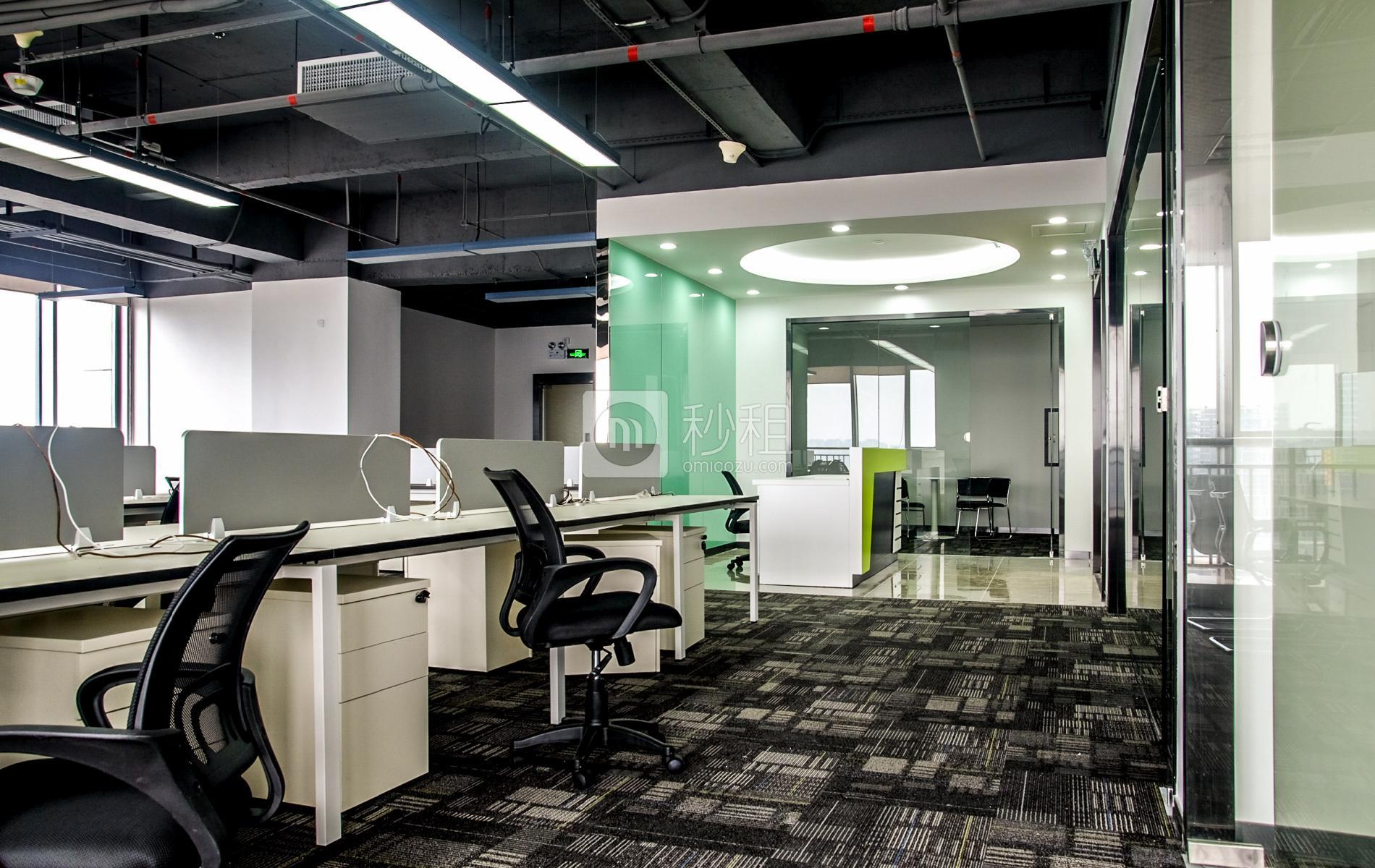 万国食品城-摩天之星孵化器写字楼出租361平米精装办公室80元/m².月