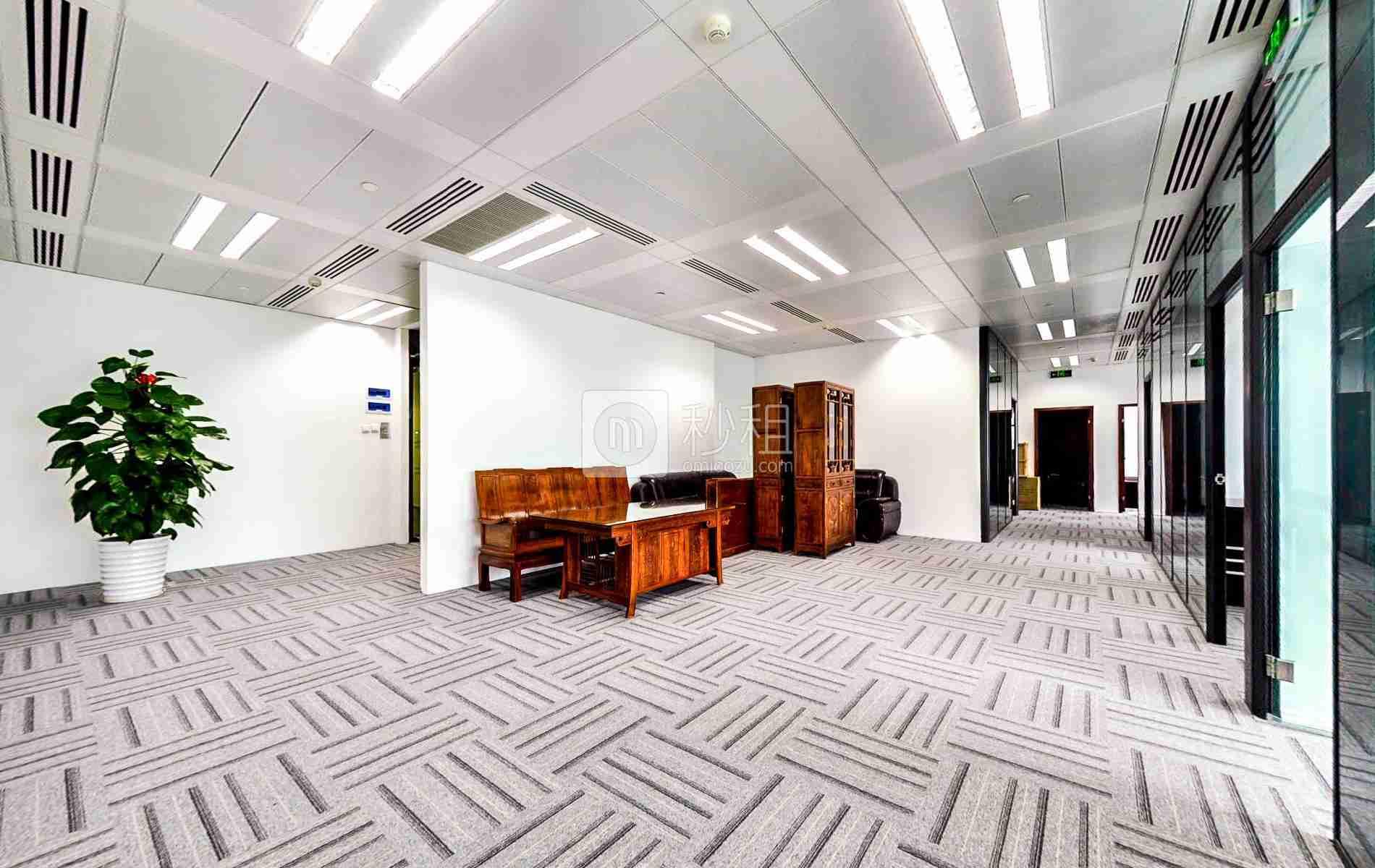 京基100大厦写字楼出租256平米精装办公室258元/m².月