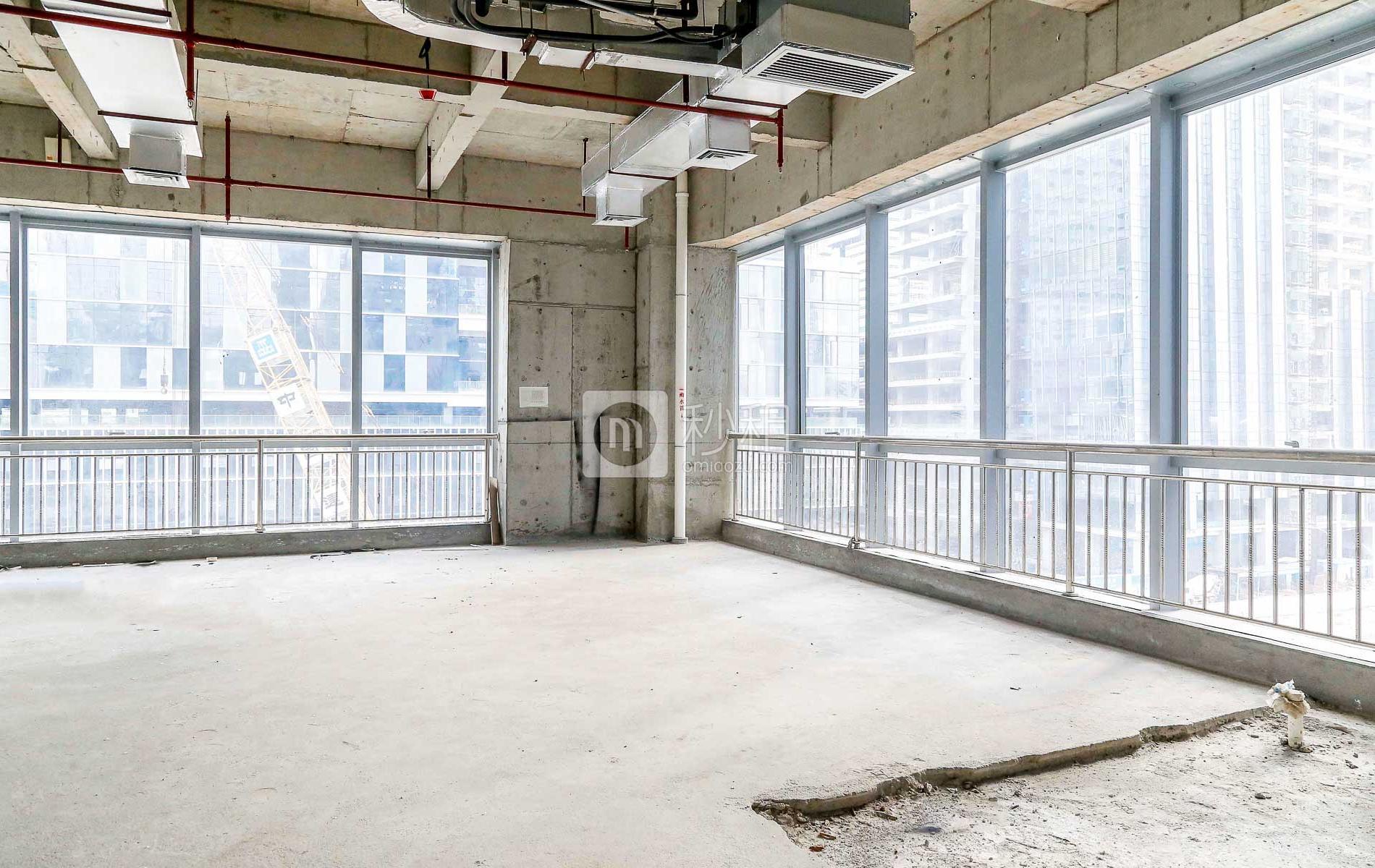 风华科技大厦写字楼出租190平米毛坯办公室125元/m².月