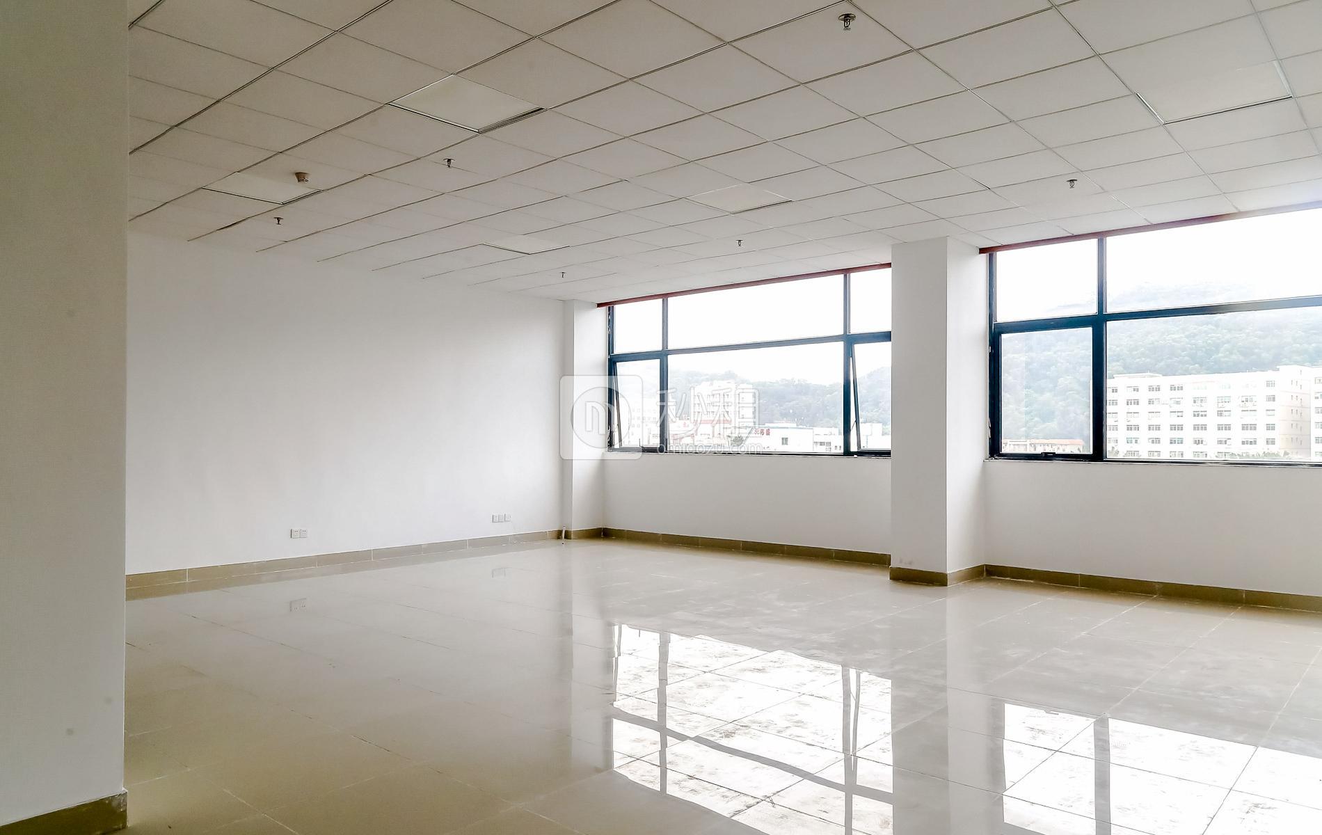 华丰互联网+创意园写字楼出租175平米精装办公室56元/m².月