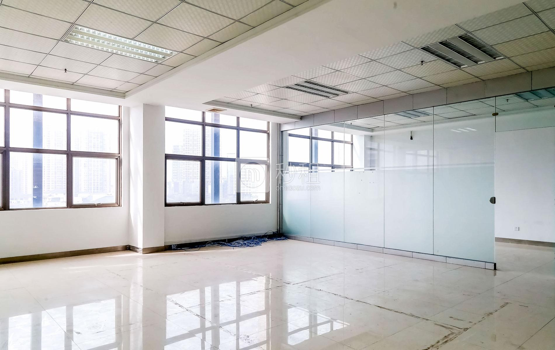 港之龙商务中心写字楼出租210平米精装办公室88元/m².月