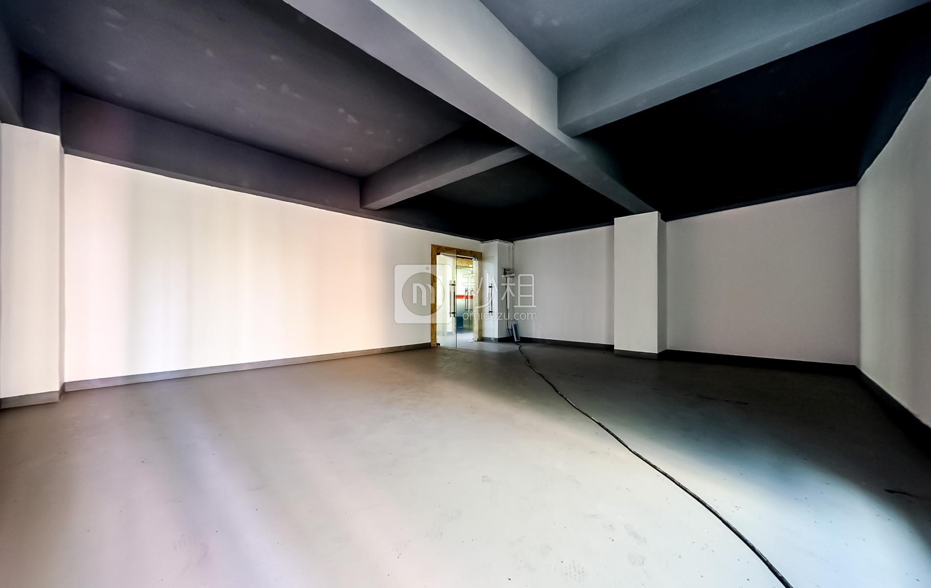龙岗-坂田 和云谷大厦 140m²