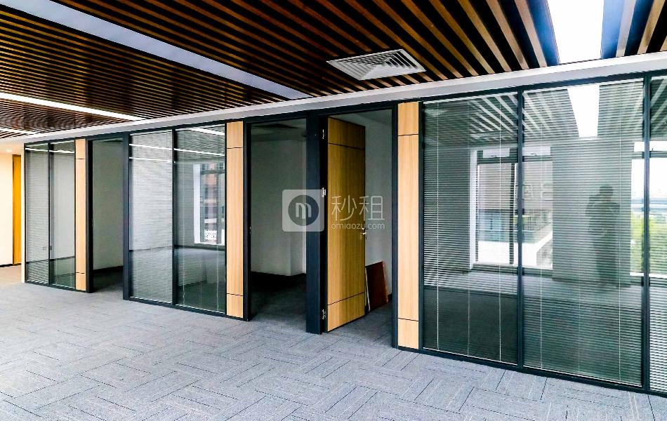 中科大厦写字楼出租136平米精装办公室168元/m².月