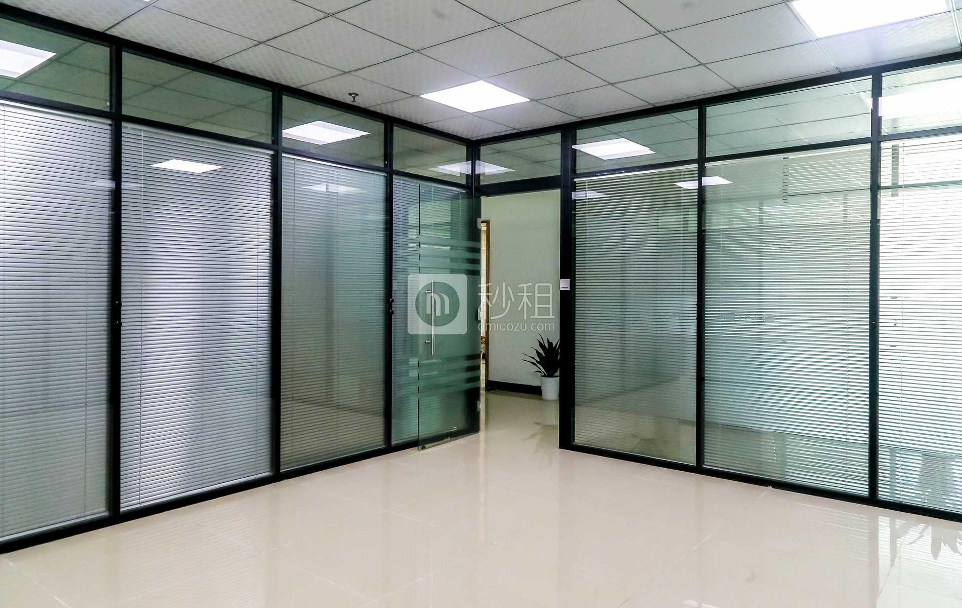 金龙华时代科融中心写字楼出租240平米精装办公室75元/m².月