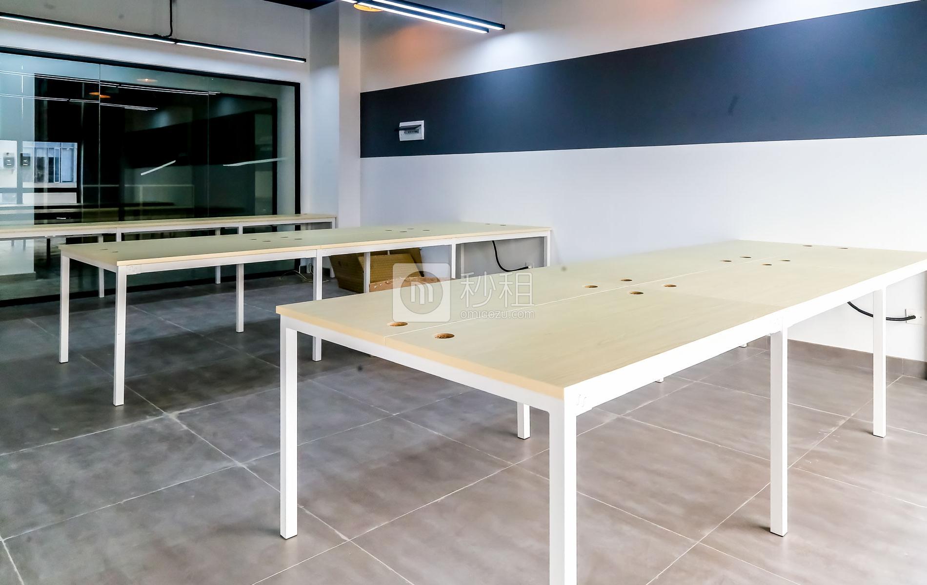 硅谷大院写字楼出租88平米精装办公室16000元/间.月