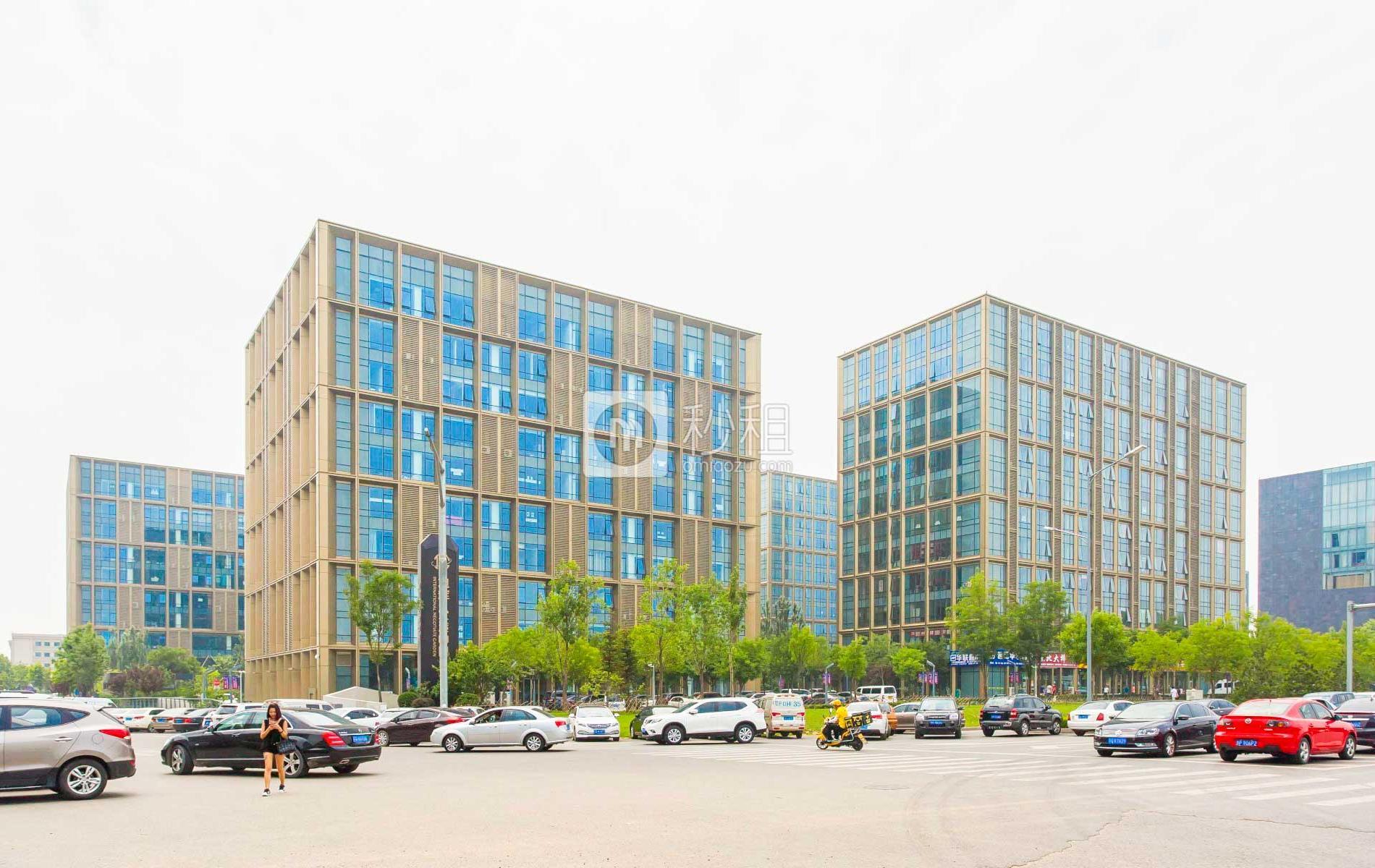 旭辉·空港中心