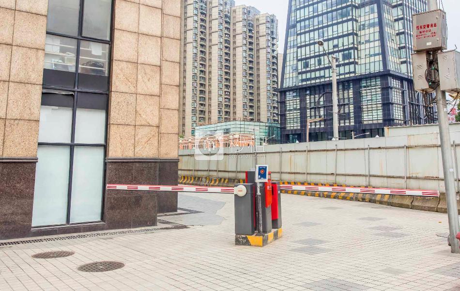 上海浦东国际航运服务中心