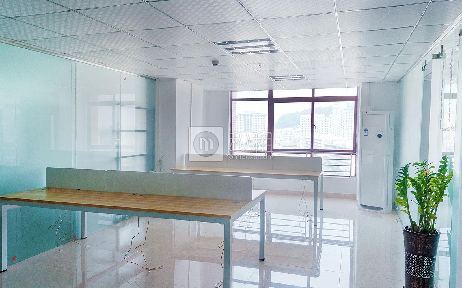 宝龙大厦写字楼出租240平米精装办公室46元/m².月