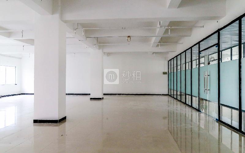 GOGO KTV三楼